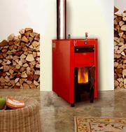 Котел на дровах для отопления и горячей воды.